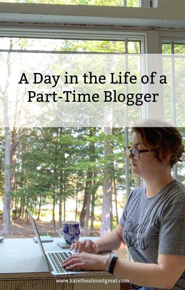 blogger, blogger life, blogging, blogging life, what do bloggers do, chronic illness, chronic illness blogger, chronic pain, health blogger, spoonie blogger, chronic illness blog, chronic pain blog, blog about chronic illness, blog about chronic pain