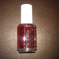 essie-231A-skirting-the-issue