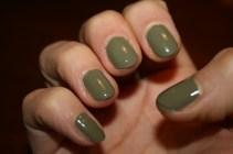 army-green-nails