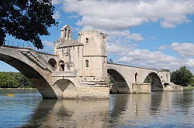Pont_Saint-Bénezet_-_summer_2011