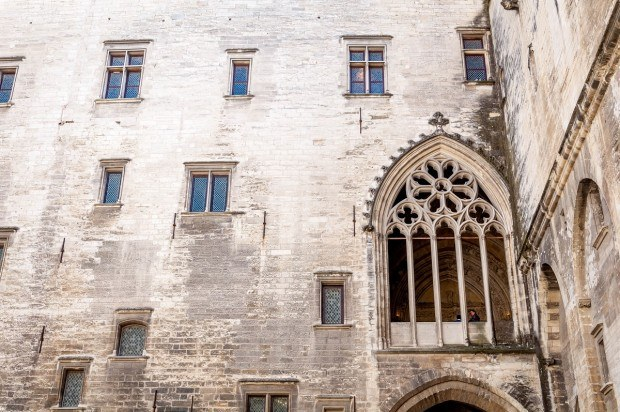 France-Avignon-Palace-of-the-Popes-window-of-indulgences-620x412