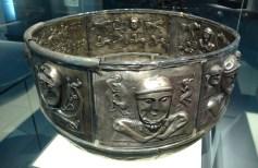 Silver_cauldron