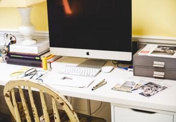 FrenchKiosk-Desk