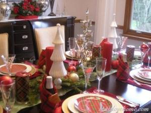 tartan-christmas-tablescape