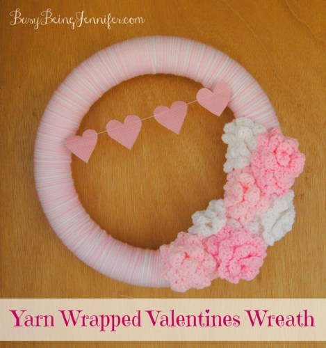 Yarn-Wrapped-Valentines-Wreath-BusyBeingJennifer.com