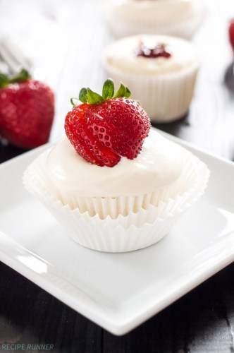 strawberry angel food cupcakes