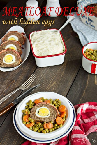 Meatloaf-Deluxe-with-hidden-eggs