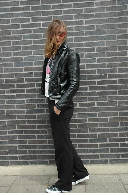 Zara-Lacklederjacke_jerseyhose_schwarz_stefanel_flamingoshirt_nikkie-plessen_oceanbluestyle_ü40_modeblog