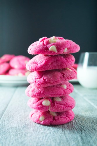 Valentine treats pink white chocolate cookies