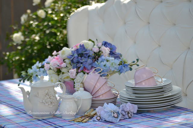 set a pretty table for tea