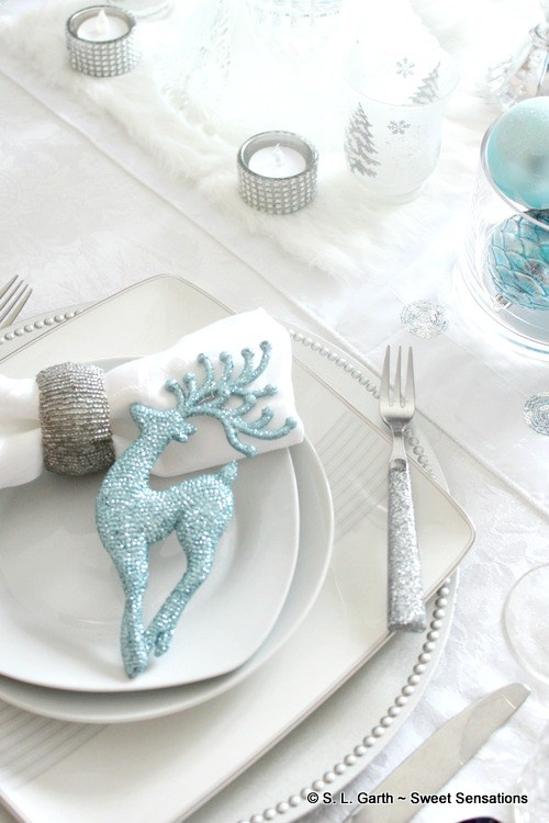 icy blue tablescape