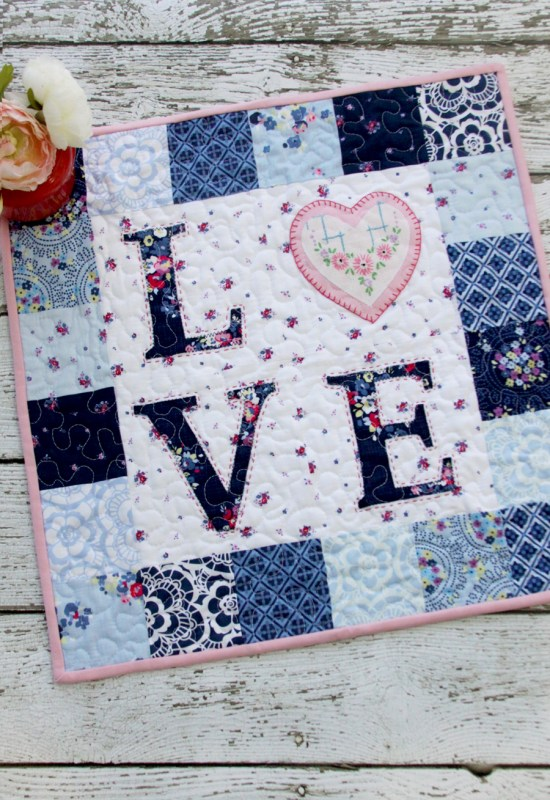 love mini quilt pattern