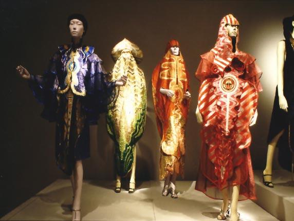 5 Diseñadores de moda Revolucionarios. kaisik Wong
