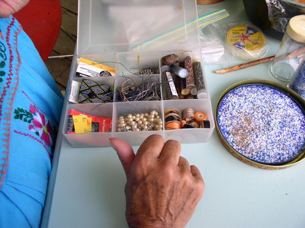 Collis Marshall choosing beads