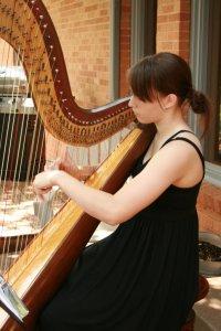 I wish she still played the harp!