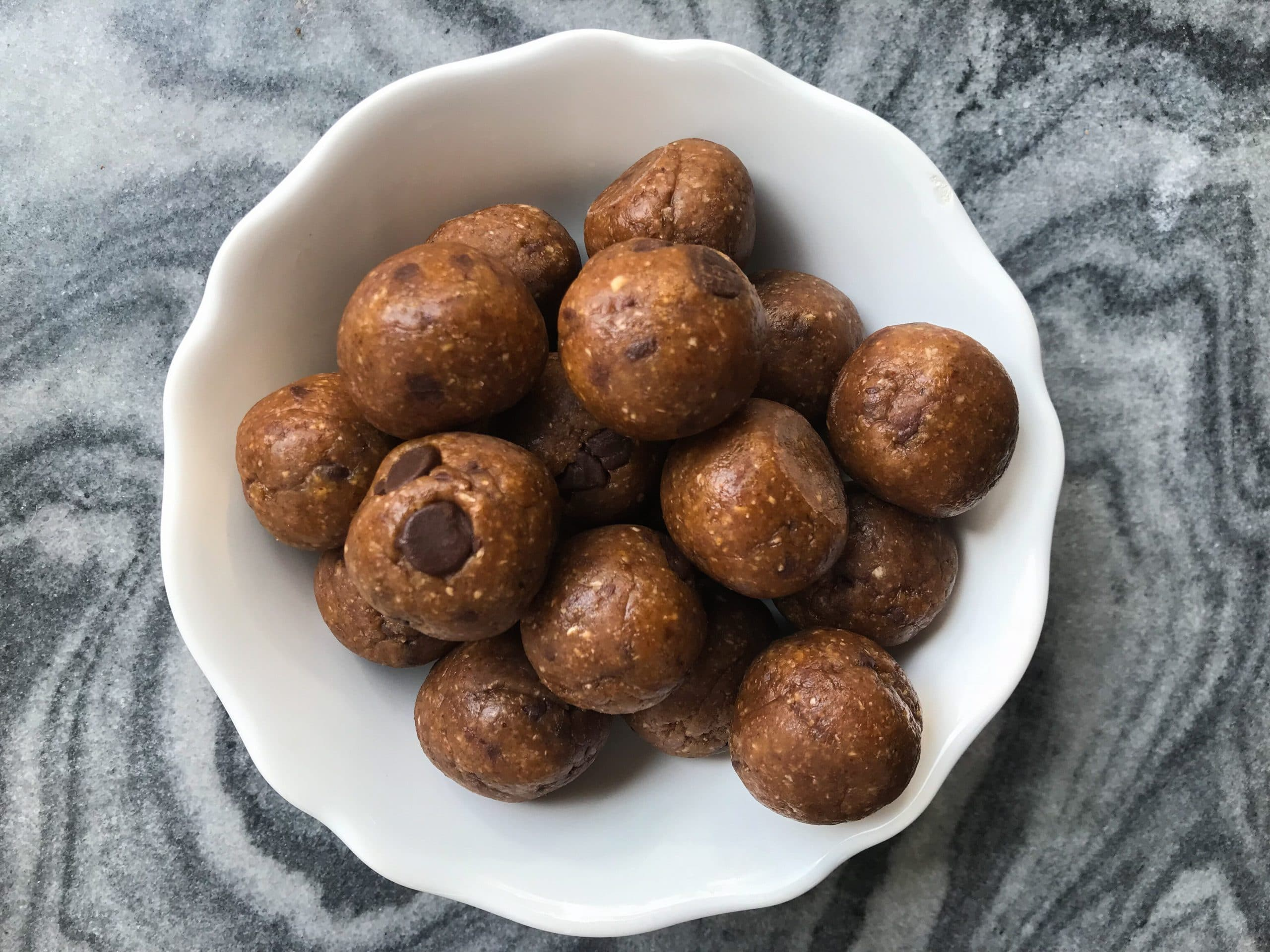 Almond Oat Energy Balls