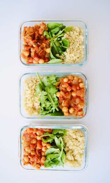 Spicy Tomato Chickpeas - vegan meal prep