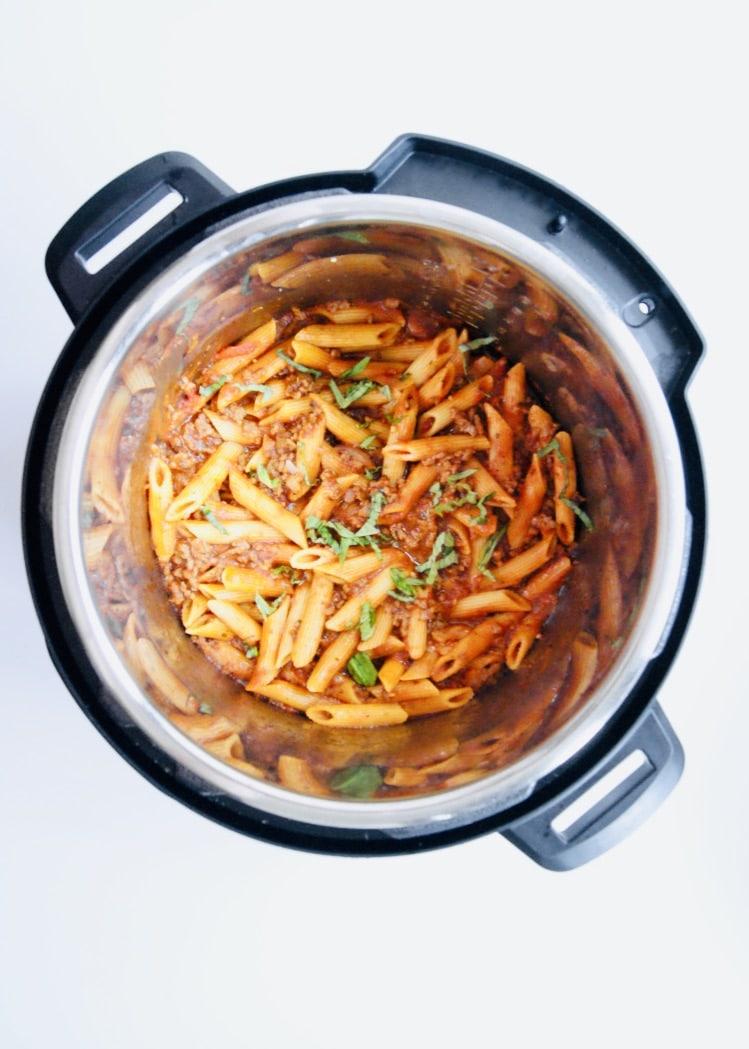Instant Pot Penne Bolognese – One Pot!