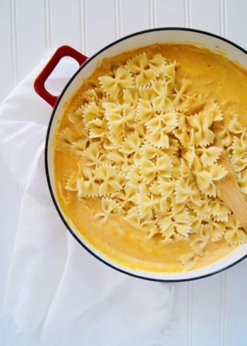 Stir-in-pasta-creamy-pumpkin-alfredo