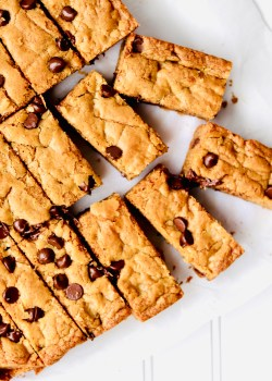 Cut almond butter chocolate chip cookie bars