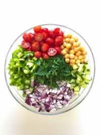 Greek chickpea salad ingredients