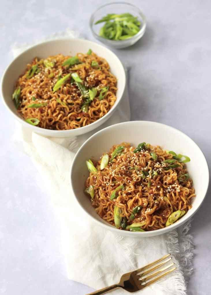 Garlic sesame ramen noodles in two bowls