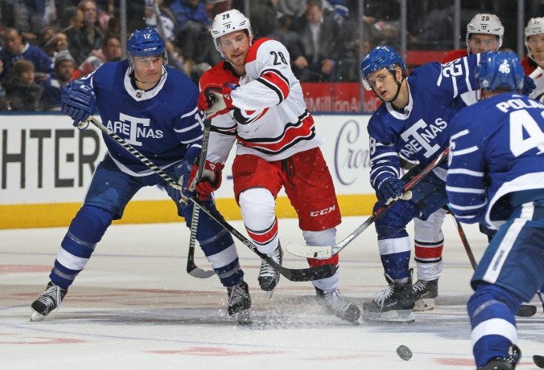 Maple Leafs kick off new century with blowout win over Hurricanes