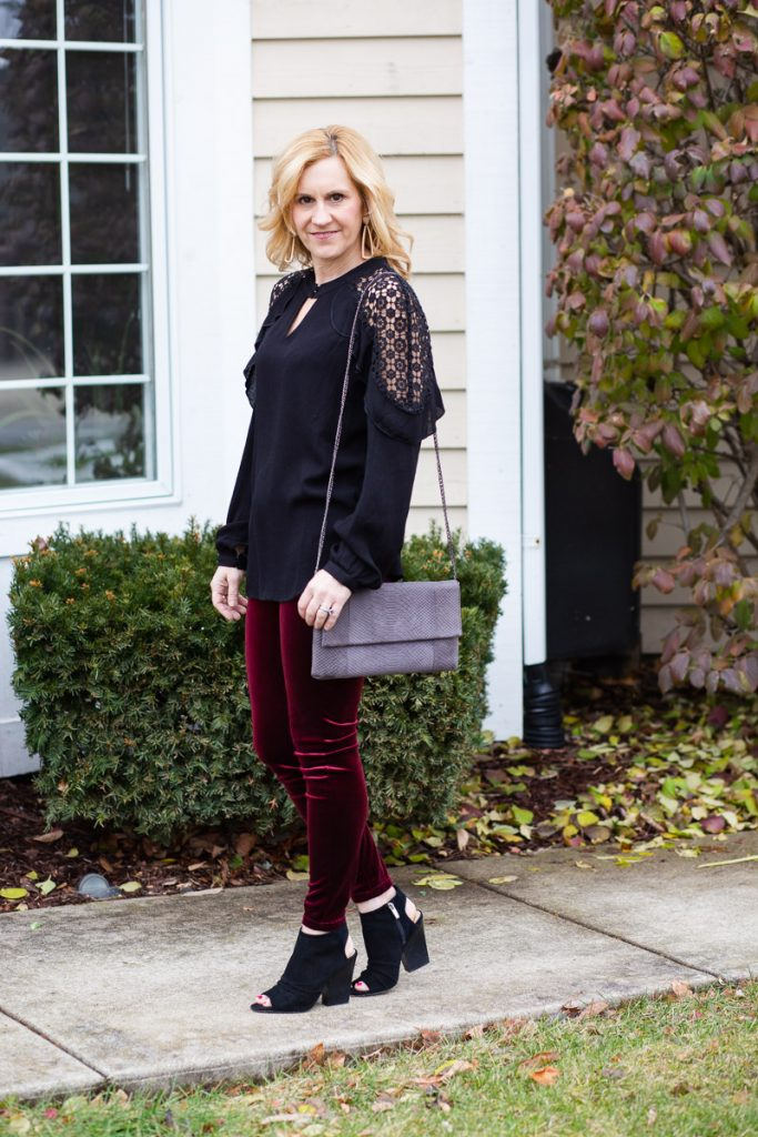 Sharing a holiday look that is perfect for a girl's night out.