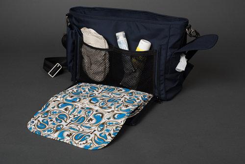 E.C. Know diaper bag giveaway #diaperbag #dadbag #babybag #daddiaperbag #changingbag