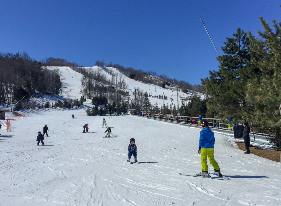 Little Man having his ski lesson at Blue Mountain Resort, Ontario #liveitoutside #skiblue #skiatbluemountain #kidskilessons #bluemountainresort #greycounty #ontariofun