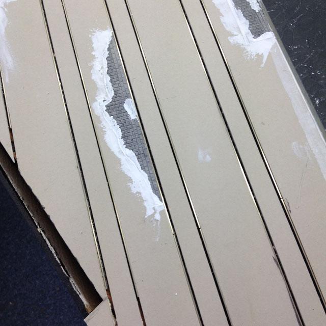 Plastic putty edges