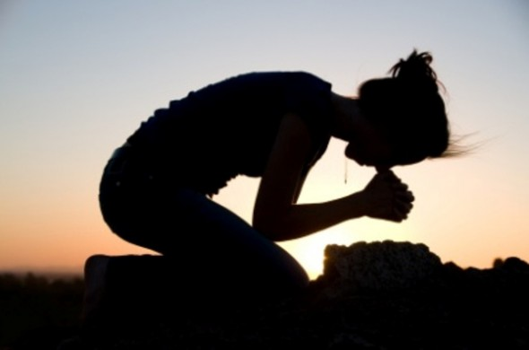 Woman-praying-e1352085748614