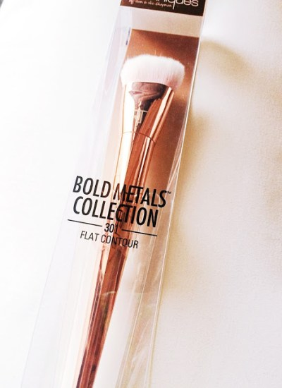 Real Technique  – Bold Metals Collection – Flat Contour 301 Review
