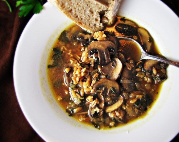 Greatist Collaboration: Mushroom and Farro Soup