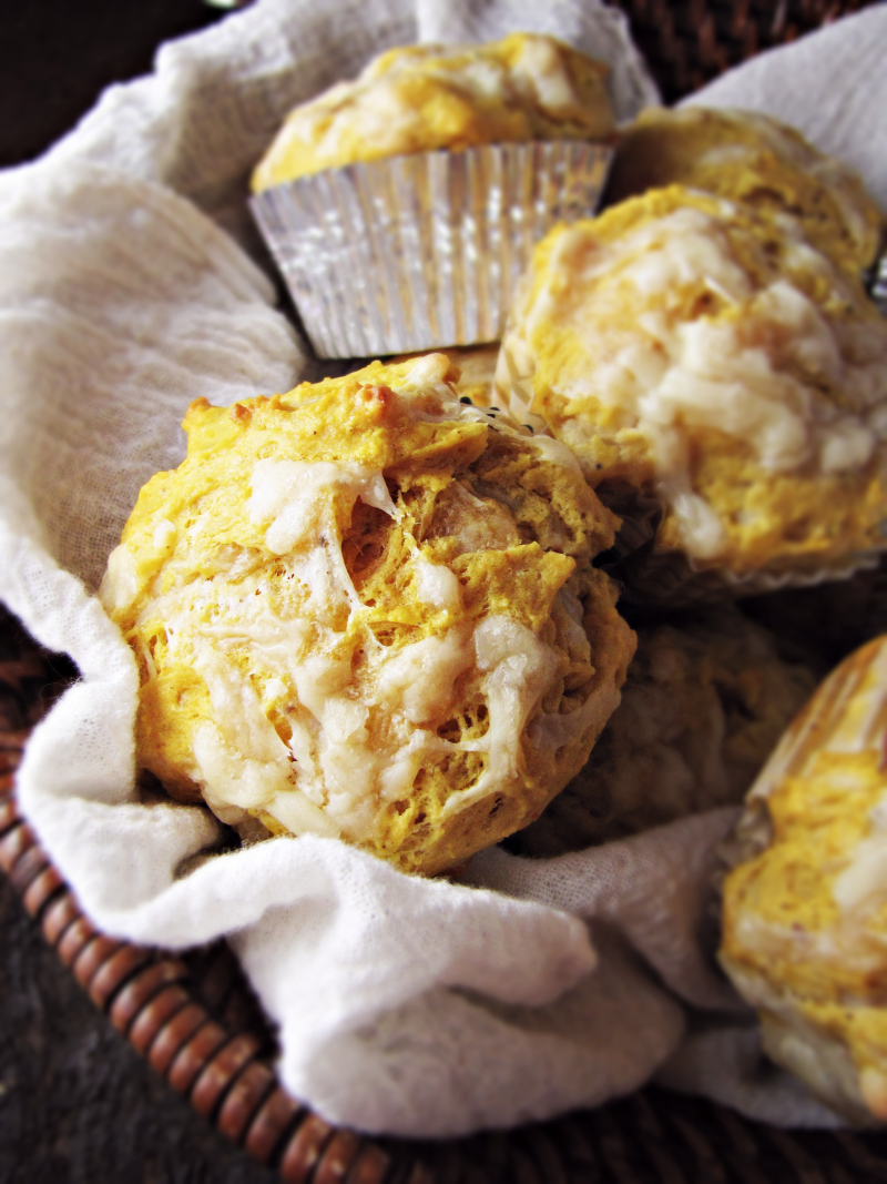 15 Favorite Fall Recipes - Pumpkin Cheddar Muffins