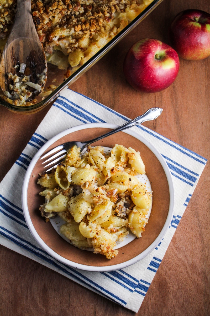 Sausage, Apple, and Cheddar Mac'N'Cheese {Katie at the Kitchen Door}