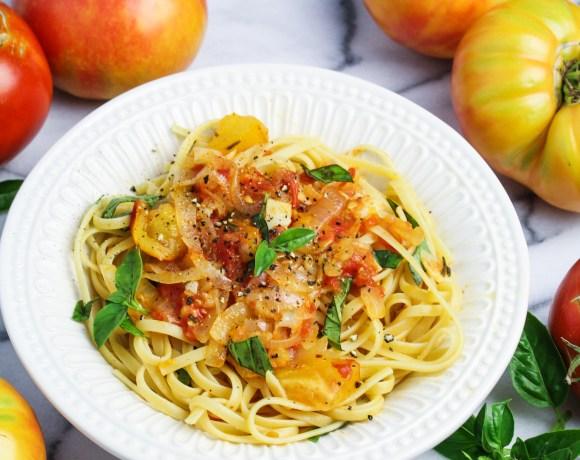 Heirloom Tomato and Sweet Onion Spaghetti