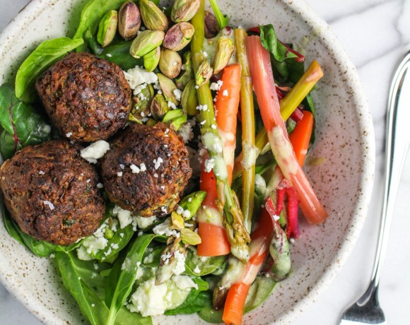 Spring Falafel Salad // #EatSmarterMoveMore: Why I Run