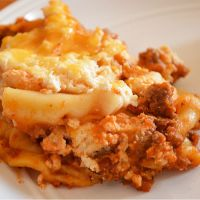 Crock Pot Lasagna {with Uncooked Noodles}