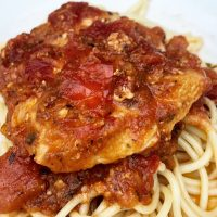 Crock Pot Chicken Spaghetti in Tomato Sauce