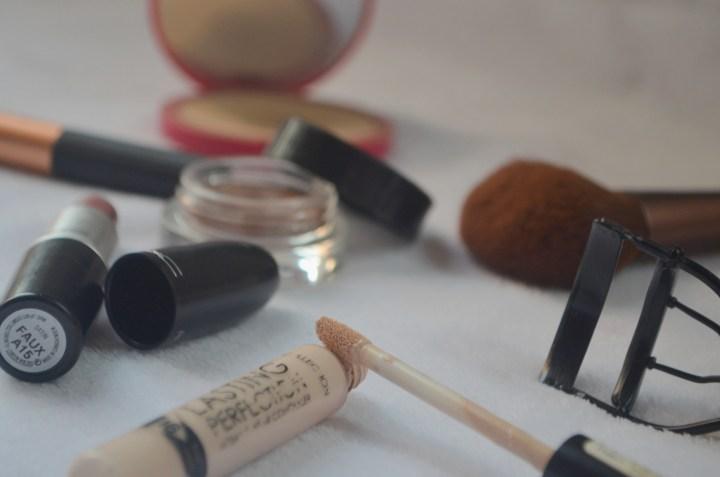 Minimal Makeup Concealer
