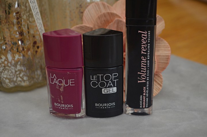 New | Bourjois Volume Reveal Mascara & La Laque Nail Polishes