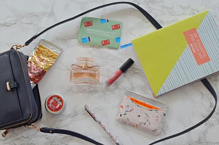 Hanbag Essentials
