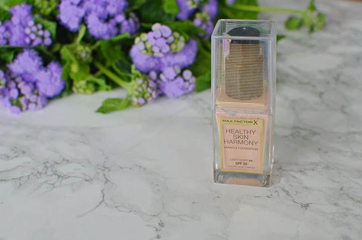 Review Max Factor Healthy Skin Harmony Foundation