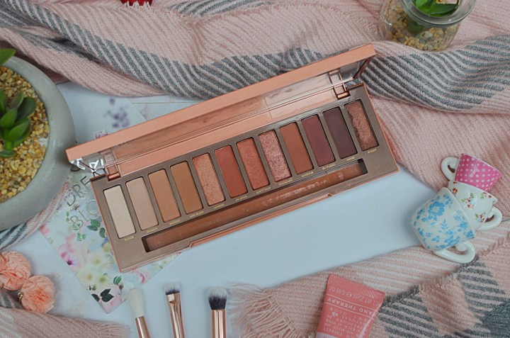 10 Eyeshadow Palettes I Can't Get Enough Of - Urban Decay Heat