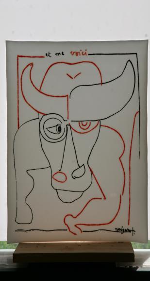 """Reproduction à la grisaille et à la poudre de verre du dessin """"et me voici"""" de Claude Nougaro. Avec l'aimable autorisation de Mme Hélène Nougaro"""