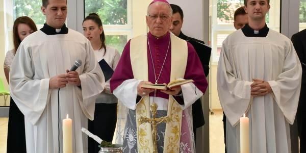 Blagoslov i otvorenje zgrade katoličkih škola u Virovitici