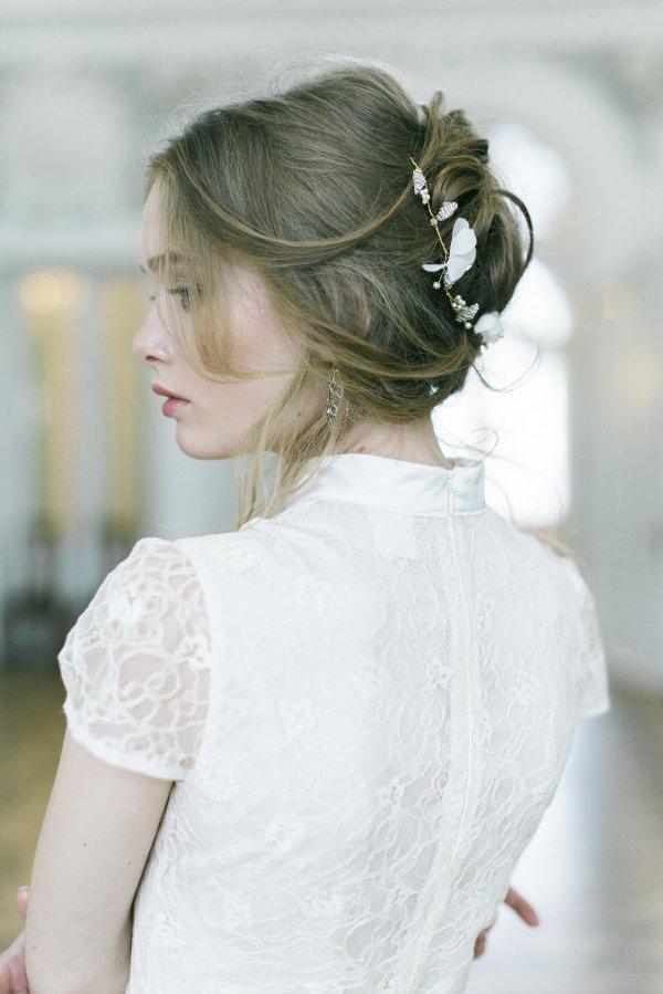 juuksekaunistus pruutidele siidist lilledega