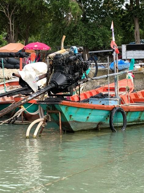 Malerische Boote auf dem Fluss