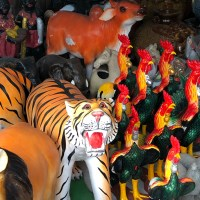 Teil 3: thailändische Gartenzwerge, Hühnerhotels und Regenzeit in Ranong